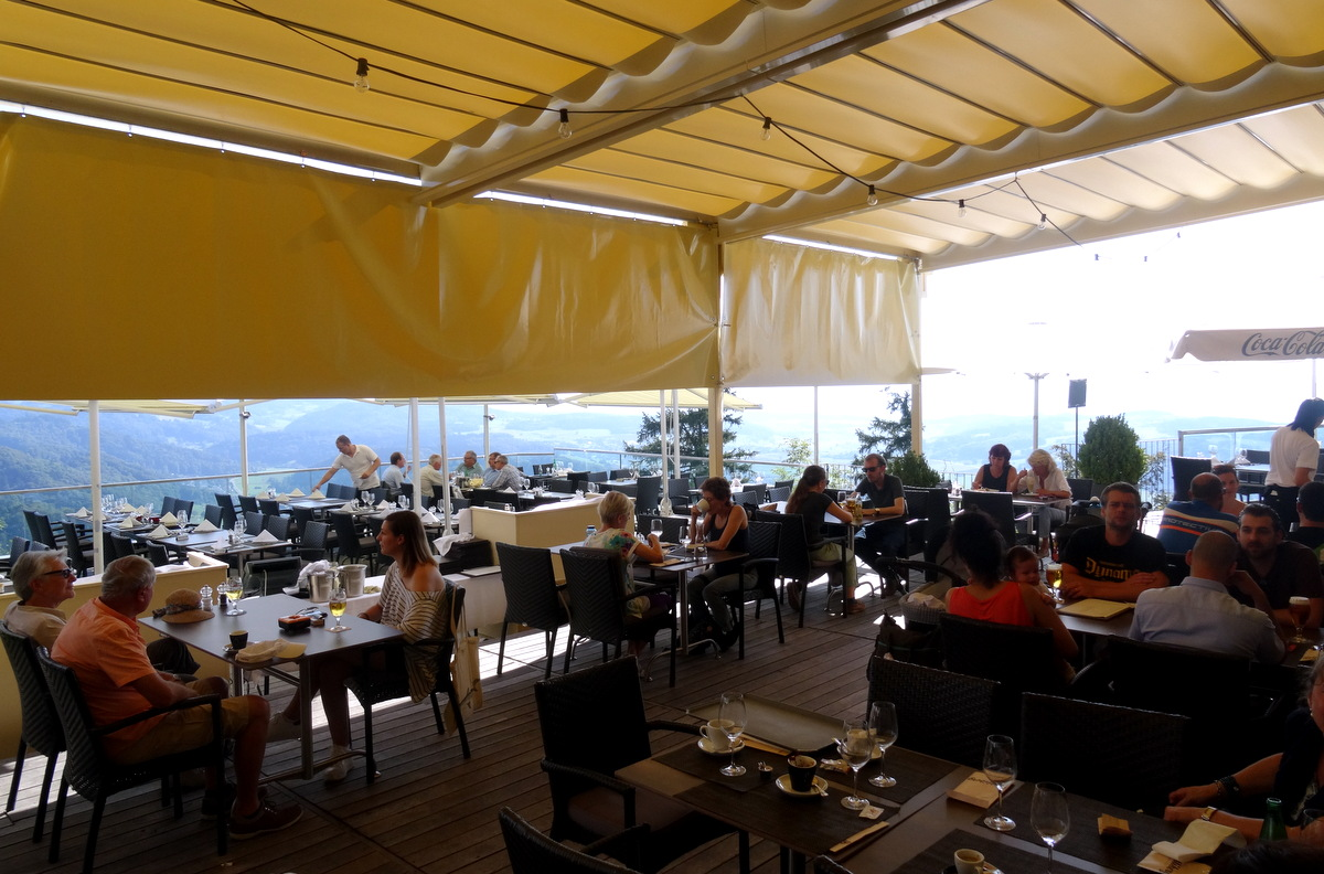 Awesome lunch at the top of zurich uto kulm restaurant for Terrace zurich