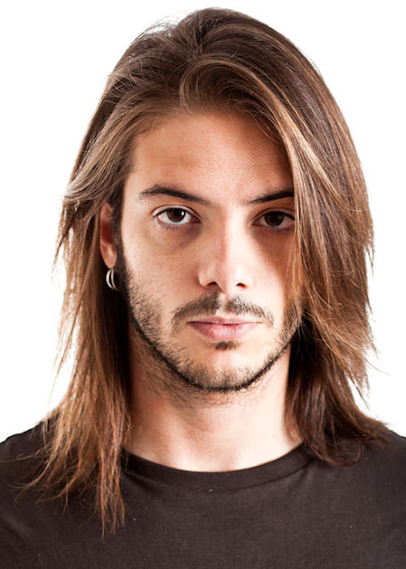 Long Hair Style Man a straight and neat shoulder