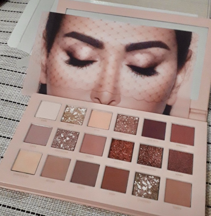 There S Fakes Already Huda Beauty New Nude Palette Real Vs Fake