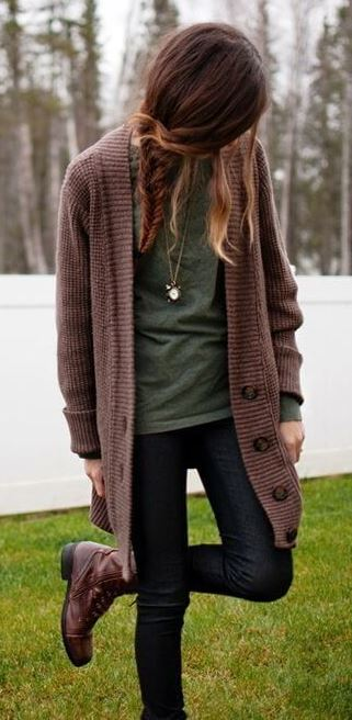 how to wear a knit cardi : top + black jeans + boots