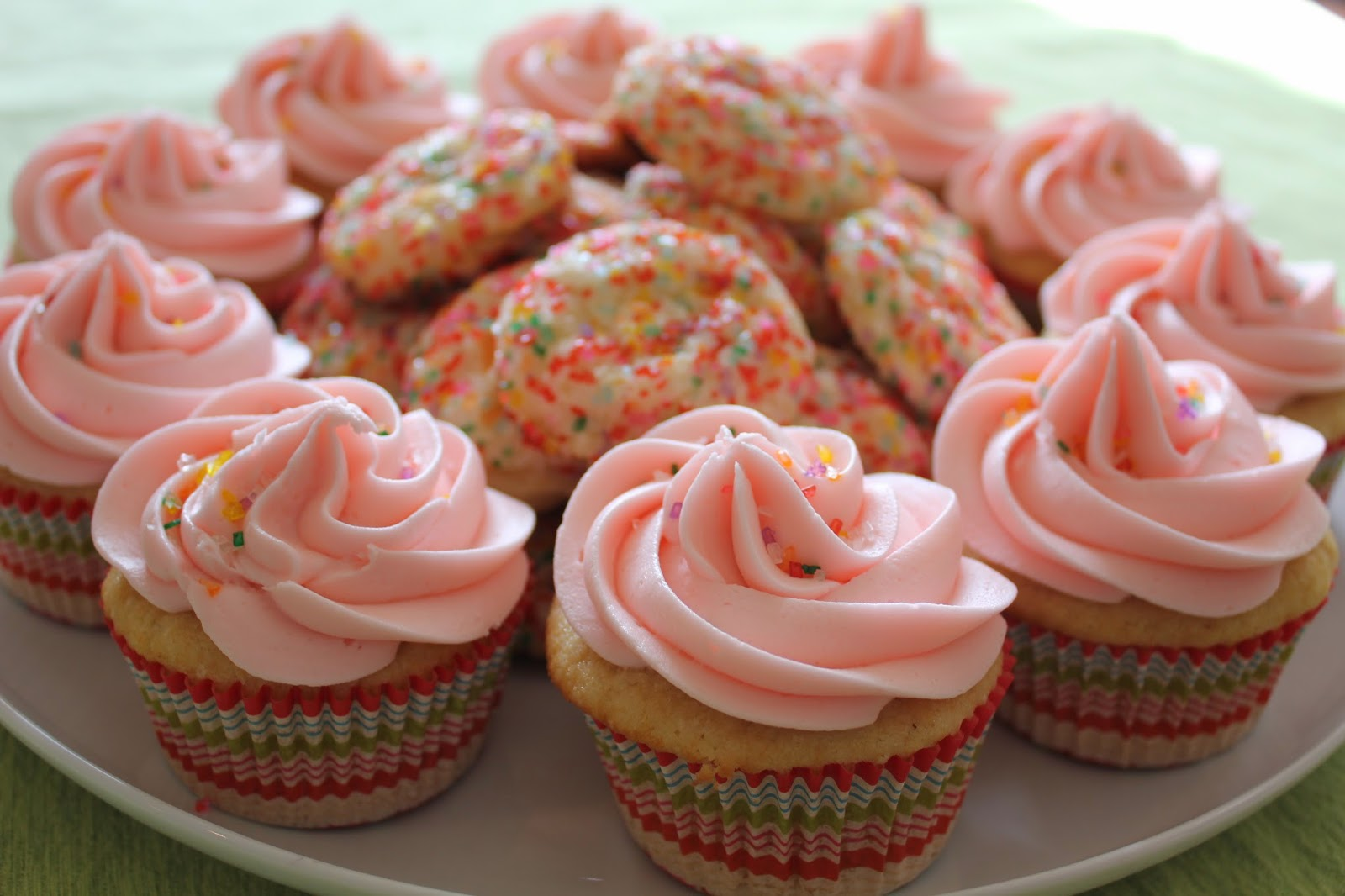What's Up Cupcake?: Sweet Treats Saturday: Sugar Cookie