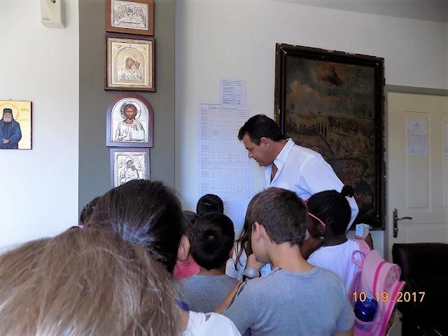 Ευχάριστη έκπληξη από τους μαθητές του 5ου Δημοτικού Σχολείου Άνω Λιοσίων στον Δήμαρχο