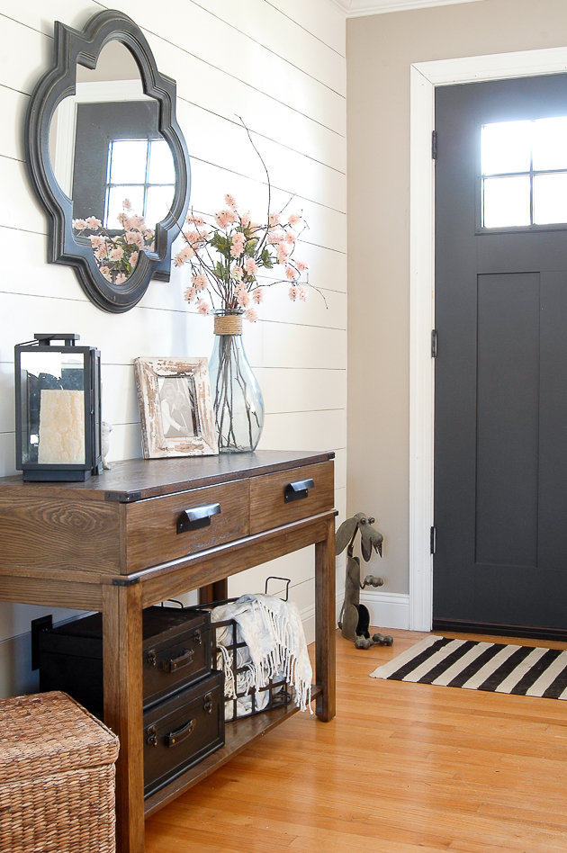 modern farmhouse entryway, modern farmhouse, farmhouse
