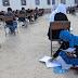 Sınavda bebeğini emziren Afgan anne üniversiteye girdi