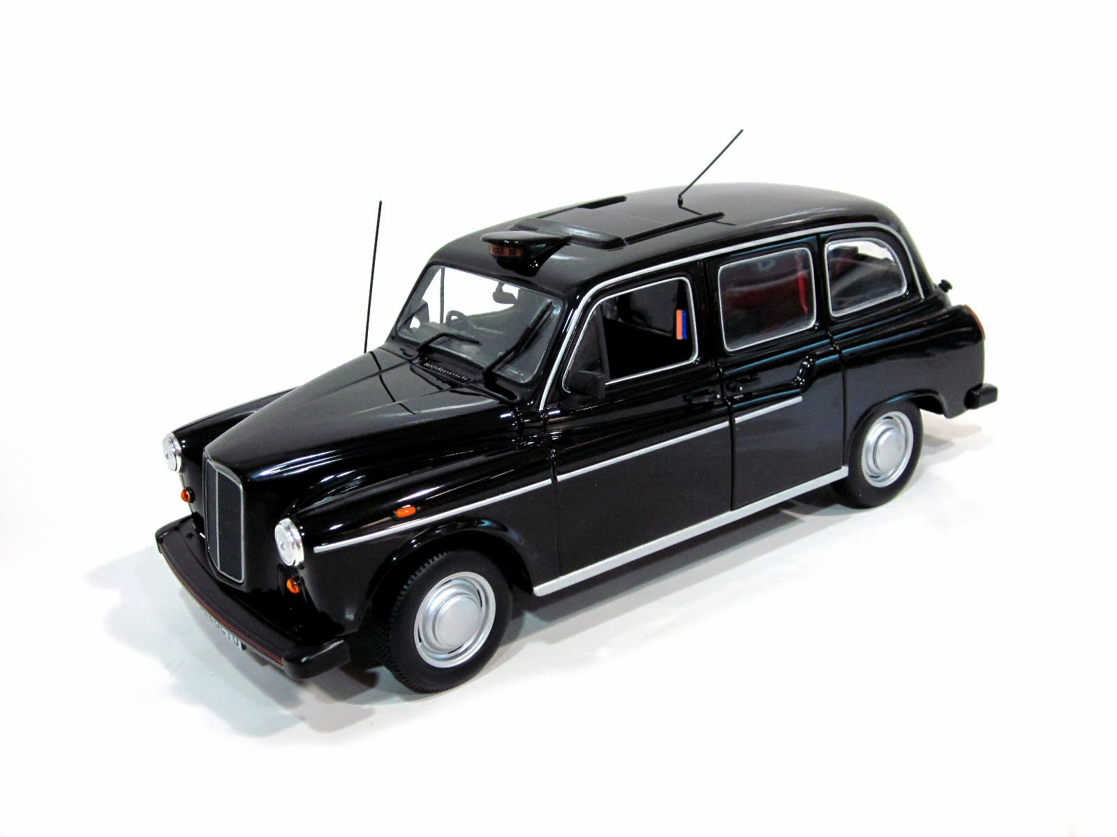 "Austin FX4 2.7 Fairway ""London Taxi"" '89 - Minichamps"