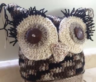 http://translate.googleusercontent.com/translate_c?depth=1&hl=es&rurl=translate.google.es&sl=en&tl=es&u=http://woothie.hubpages.com/hub/Free-Pattern-Square-Crochet-Owl-Hat&usg=ALkJrhjZfza_XwnwDhAnfYgCGWGjpViCTA