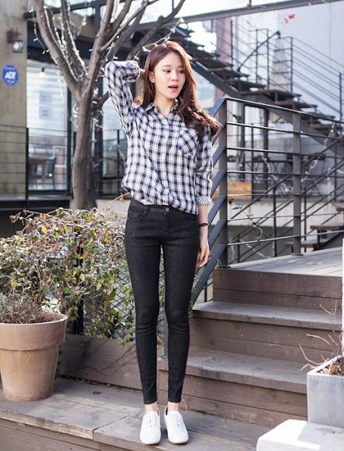 11 cách mix đồ với quần jean màu đen dành cho phái nữ