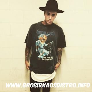Kaos Metal - Justin Bieber Pakai Kaos Metalica di Hujat Metalhead