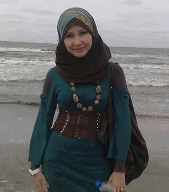 مطلقة مصرية تريد الزواج
