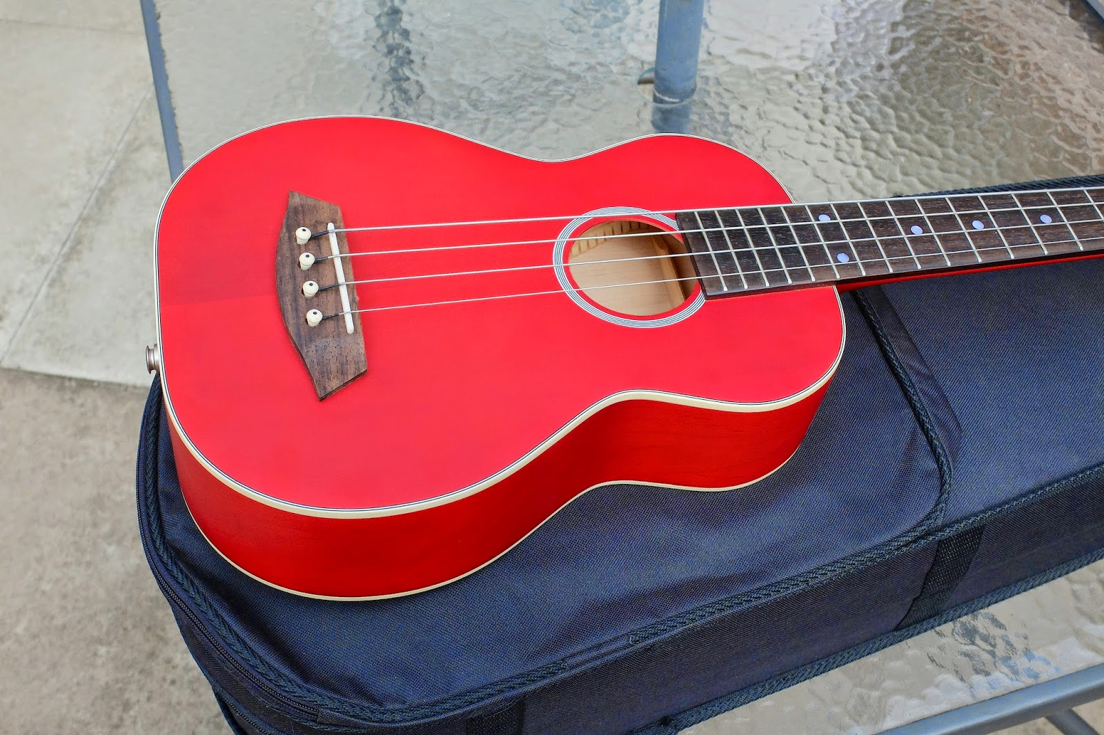 Kamoa E3E Ukulele Bass body