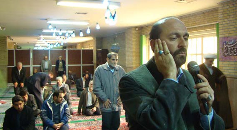 dcc2724ee به گزارش ایران وایر, این را حجت الاسلام «احمد مروی» می گوید و اضافه می کند:  «]این جزوه را[ هر روز [معاون] ارتباط مردمی خدمت آقا تقدیم می کند.