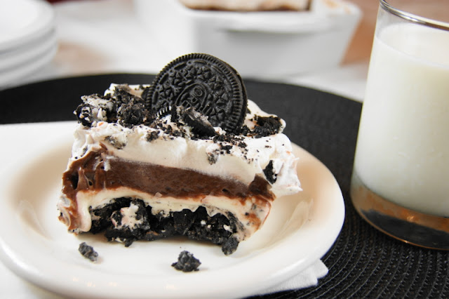 25+ All-Time Favorite No-Bake Desserts: Oreo Icebox Dessert Image