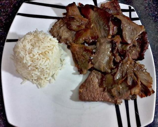 Receita de carne assada com cogumelos hiratake