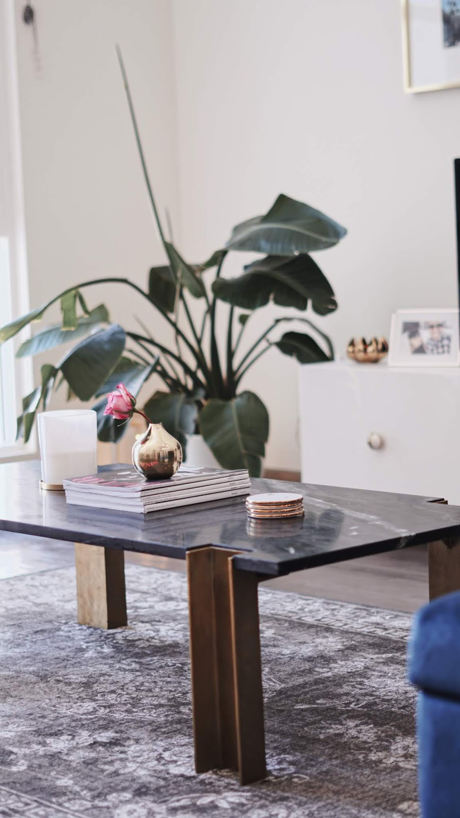 loft tour, los angeles apartment tour, cb2 Alcide marble coffee table, cb2 Paradigm dining table, living room, kitchen, modern cozy, affordable home decor,  pinterest home decor, homegoods, zara home, cb2, west elm, mycb2, blogger home,