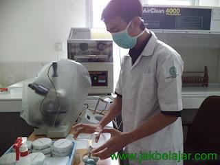 Sterilisasi fisik panas kering menggunakan Bunsen