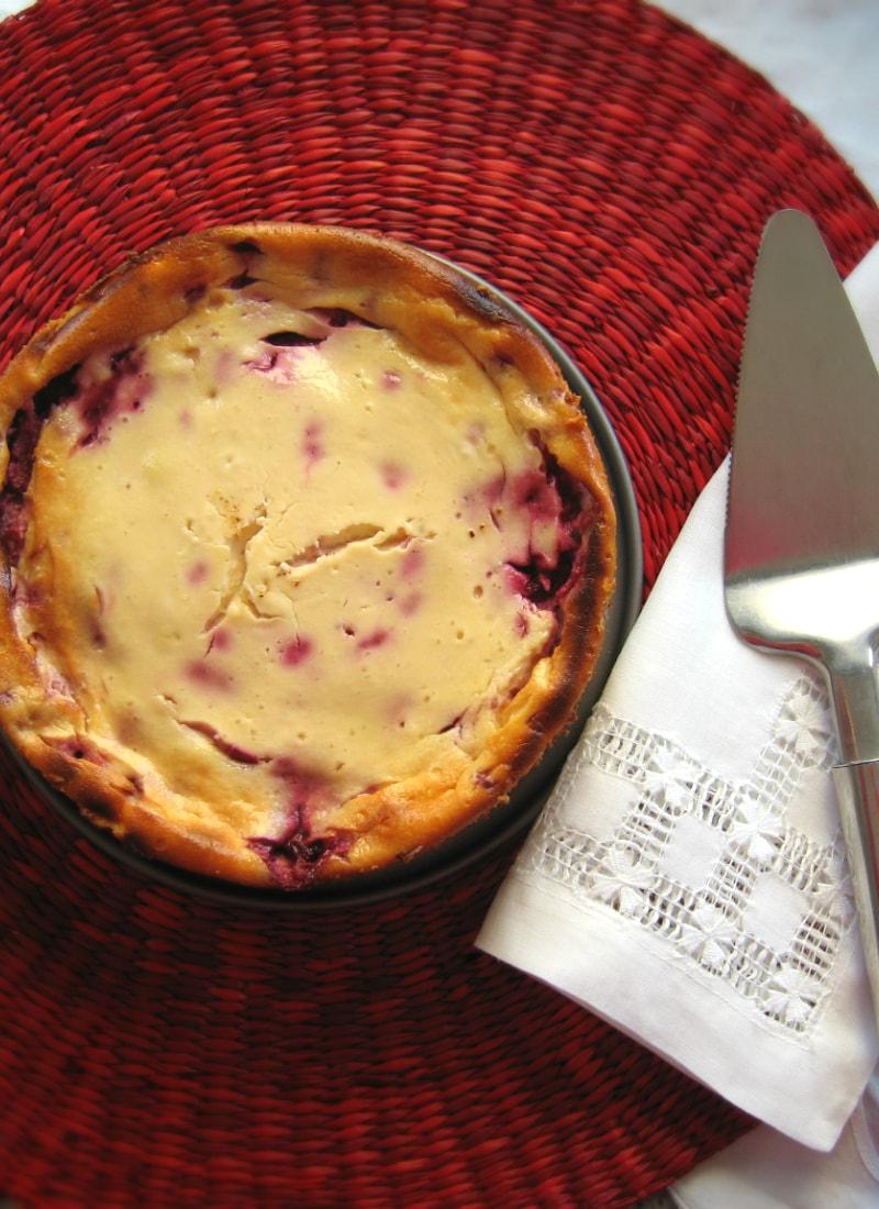 Cheesecake de framboesa visto de cima / Raspberry cheesecake from above