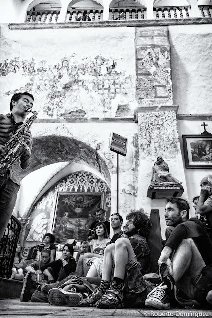 © R.Domínguez - Antonin-Tri Hoang