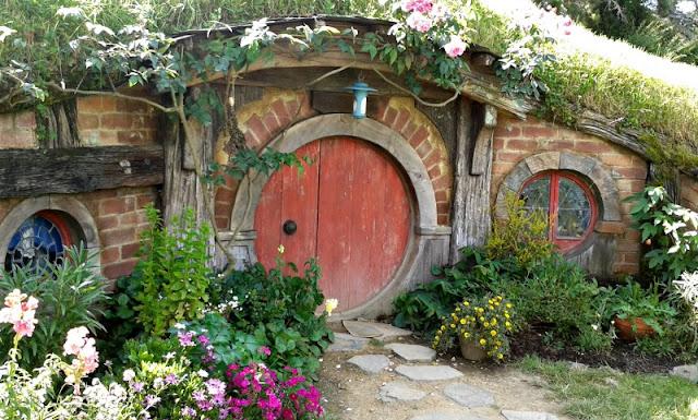hobbit-hole-hobbiton