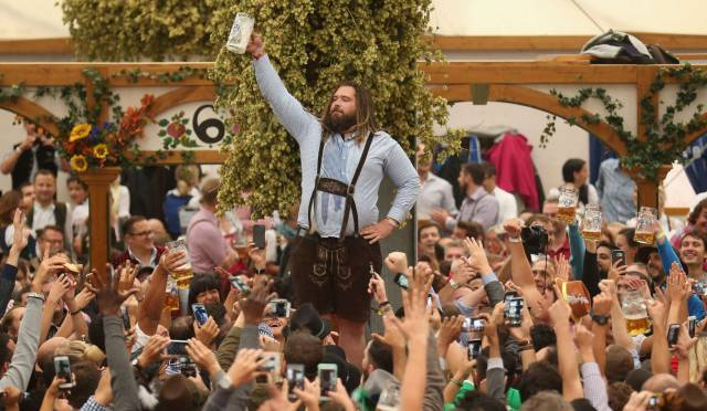 World Of Mysteries: Oktoberfest: Photos From The World's ...