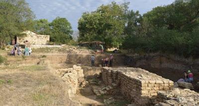 Μοναδικό αγαλμάτιο από ελεφαντόδοντο του Αρποκράτη ανακαλύφθηκε στην Κριμαία