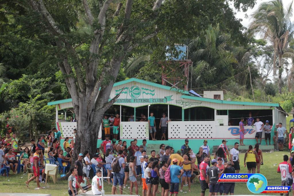 Juventude do Jacaré Puru mantem a tradição do seu torneio e festa dançante