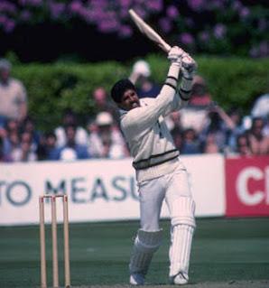 भारत की पूर्व कप्तान और महान ऑलराउंडर कपिल देव ने छठे नंबर पर बल्लेबाजी करते हुए वनडे अंतरराष्ट्रीय क्रिकेट का सबसे बड़ा स्कोर बनाया है।