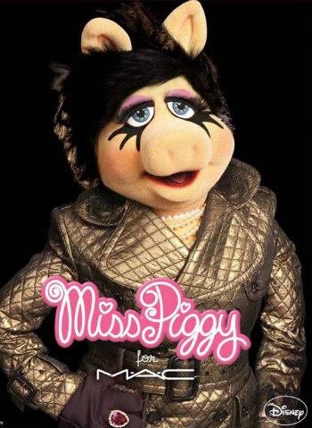 Miss Piggy ganha linha de maquiagem M. A.C.