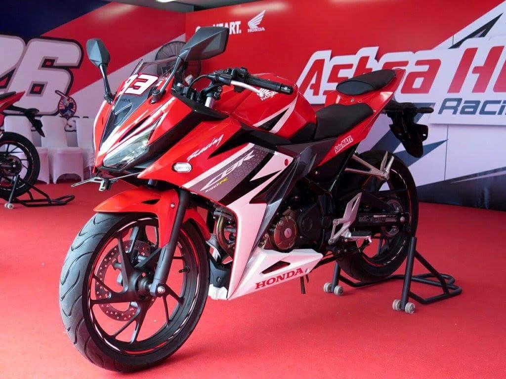 Hari ini tanggal 10 April 2016 . . Honda akan resmi merilis All New CBR 150R Facelift 2016 dikota Medan