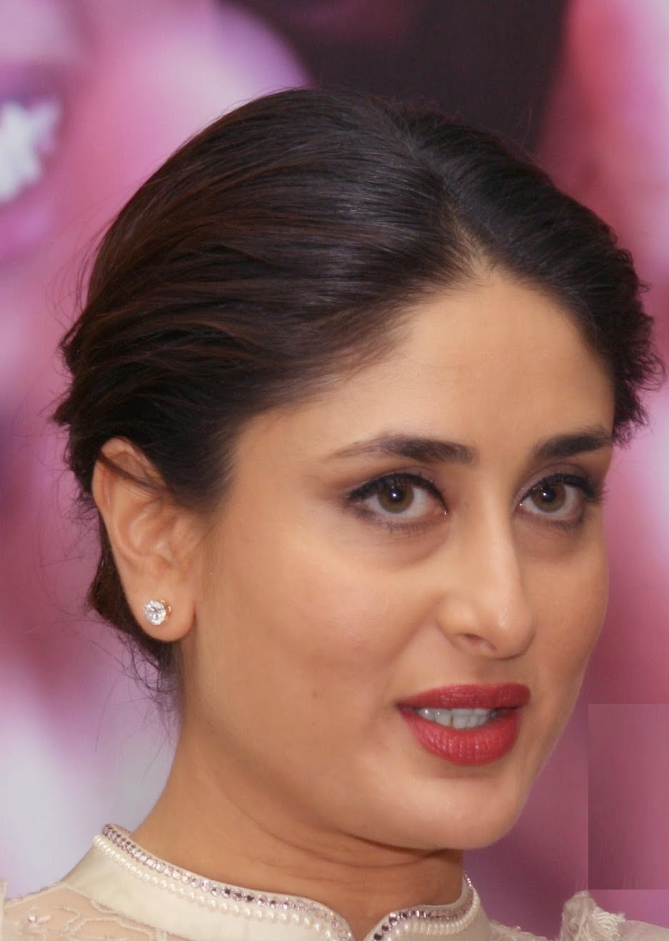 Kareena Kapoor Latest Spicy Hot Face Close Up Photos In White Dress