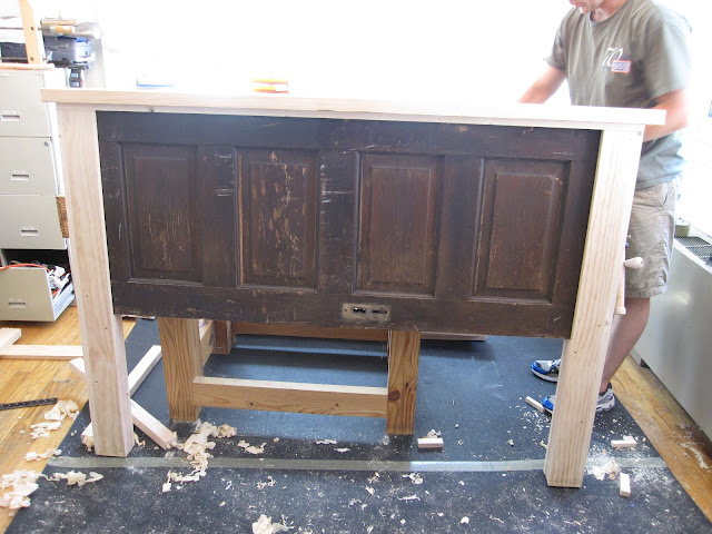 Ain 39 t she crafty how to build a headboard from an old door for How to make a headboard