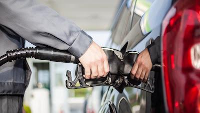 La gasolina 'premium' no té cap benefici per a la majoria dels motors