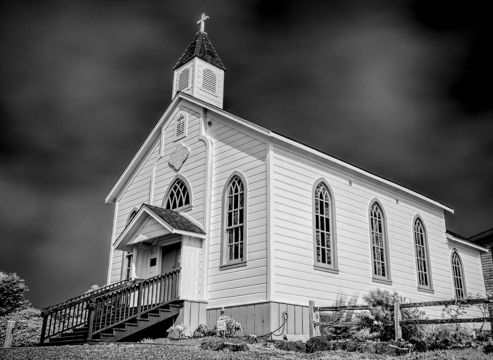 Side view of Holy Trinity in IR