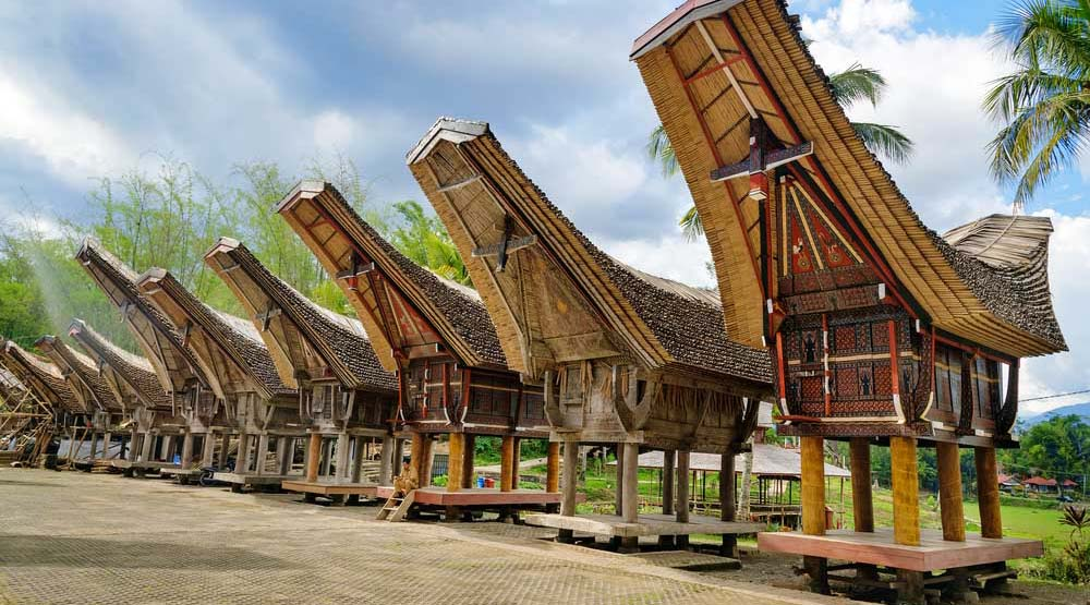 wisata indonesia anti mainstream tana toraja rumah besar
