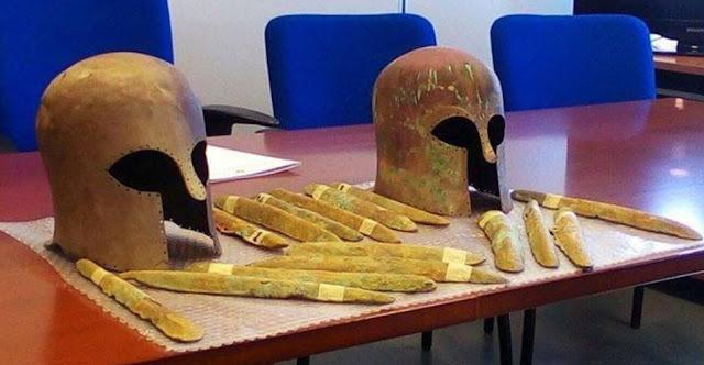 Ingots of orichalcum, Corinthian helmets and amphorae found off the coast of Sicily