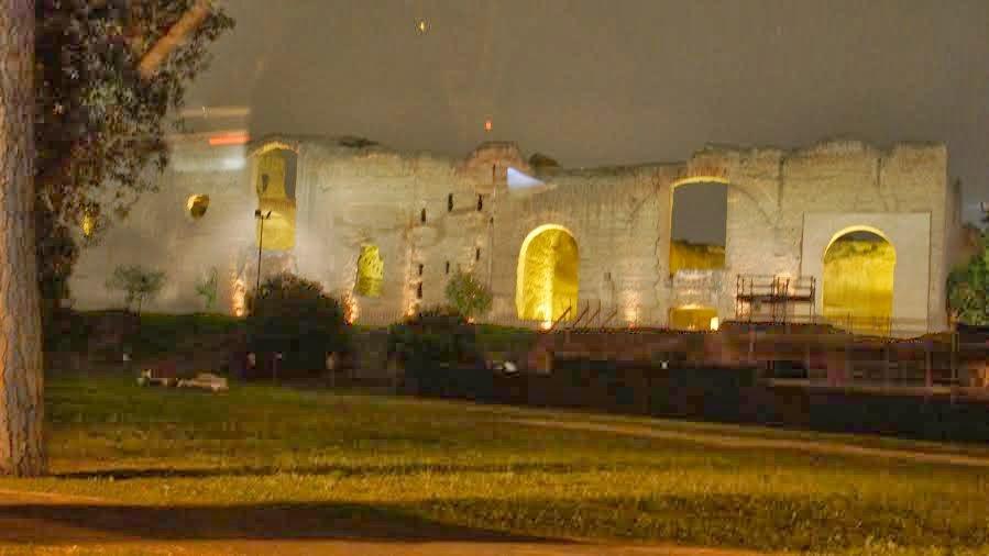 caracalla3 - Roma de noite