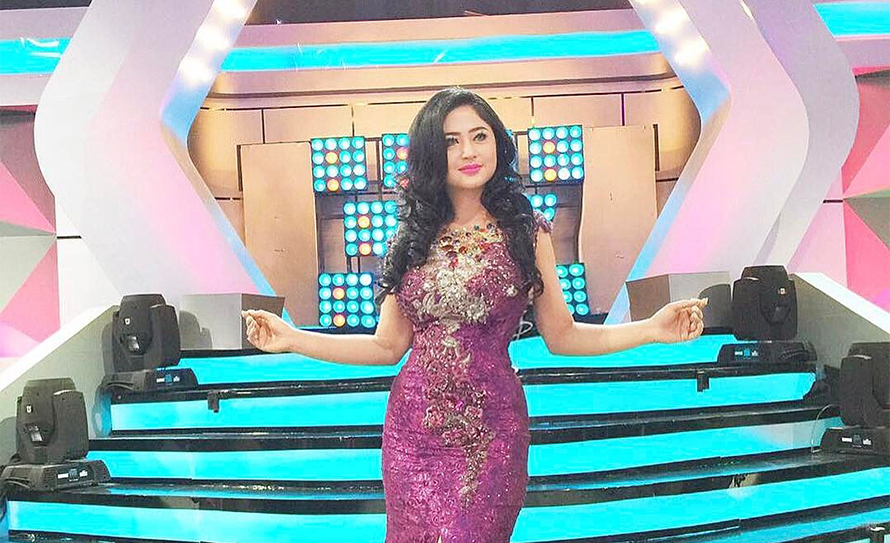 Dewi Perssik pemeran Nadin