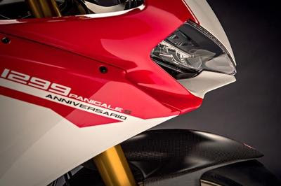 New 2016 Ducati 1299 Panigale S front looks