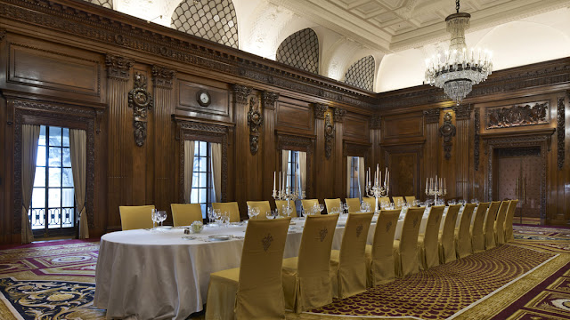 Grand dining area in Four Seasons London Ten Trinity Square