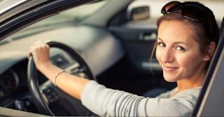 Νέα έρευνα δείχνει πως οι γυναίκες είναι καλύτερες οδηγοί από τους άνδρες