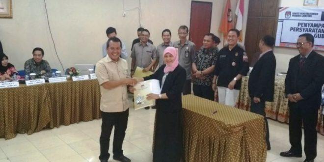 KPU Provinsi Lampung Menyatakan Berkas Arinal - Nunik Sudah Lengkap