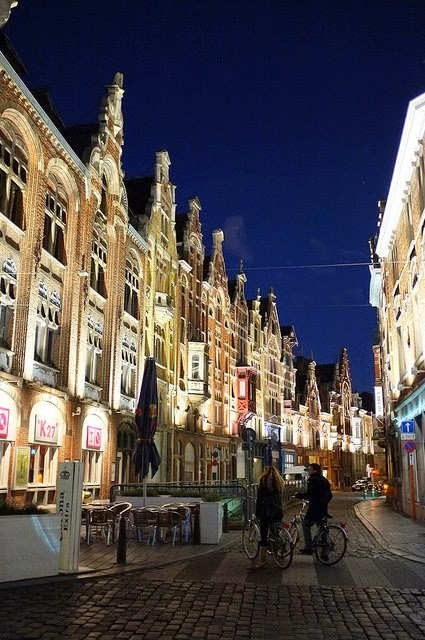 10 Best Places to Holiday in Belgium (100+ Photos) | Streetview at night in Ghent, Belgium