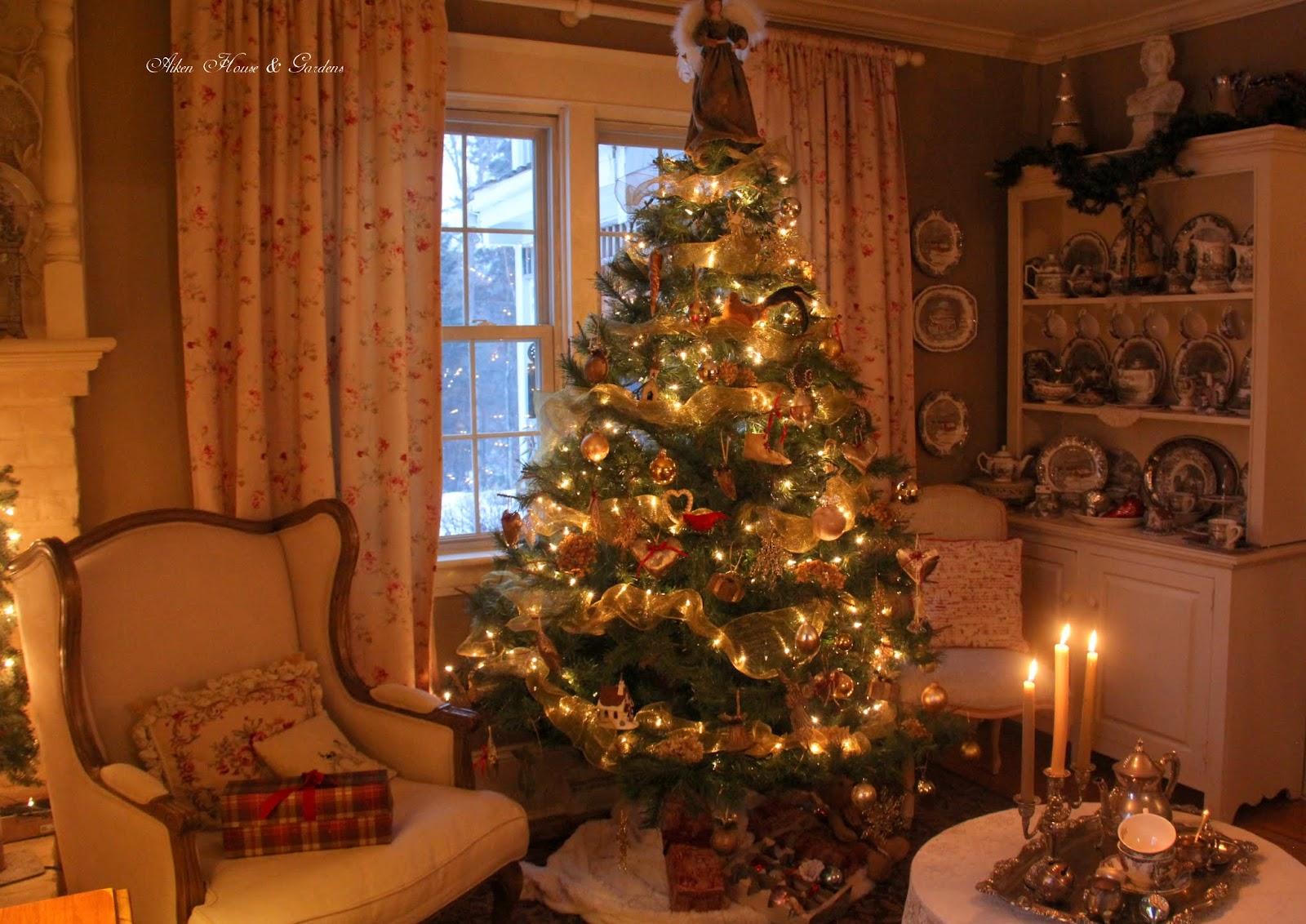 Aiken House Amp Gardens English Country Christmas