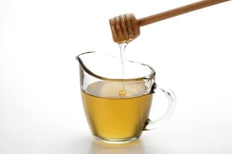 العسل بالماء الدافئ للتخسيس