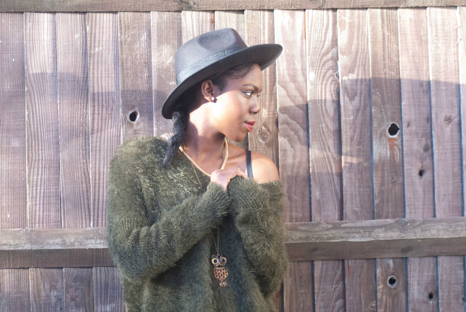 H&M Khaki fluffy Jumper,Black fedora, owl necklace, twinings apple & elderflower green tea