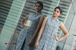 Telugu Television Actress Karuna Latest Pos In Denium Jeans  0126.JPG