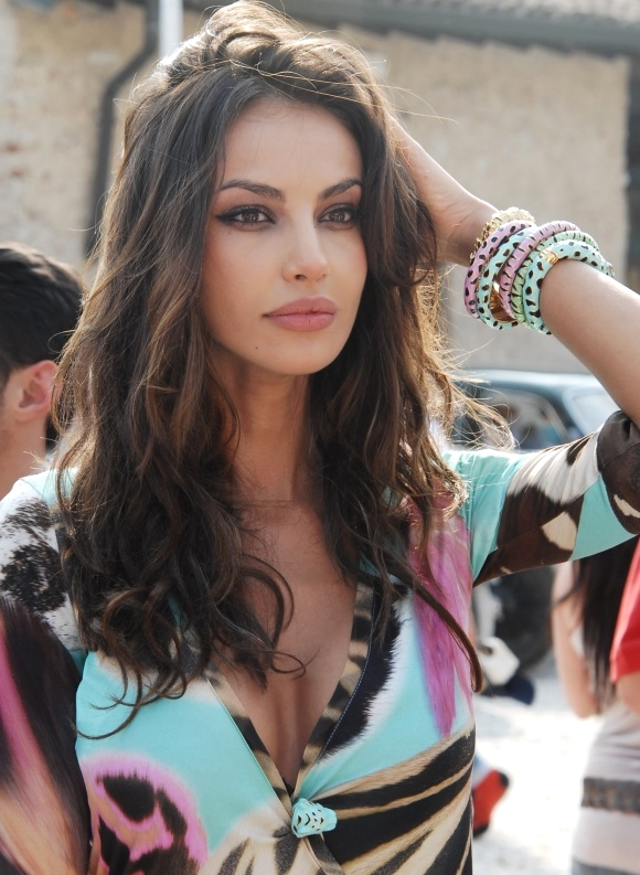 Images Of Romanian Women 8