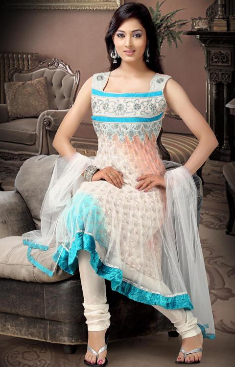 pakaian tradisional india perempuan