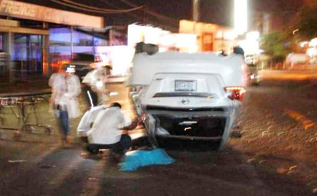 Muere  cantante Jorge Antonio Valenzuela así fue como quedo su coche tras volcaduras