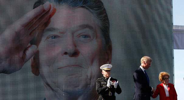 Nancy Reagan descanse em PAZ