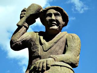 Böettcher ou Fassbinder (Tanoeiro) - Detalhe, Profissões dos Imigrantes Alemães no Parque Pedras do Silêncio, Nova Petrópolis